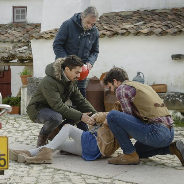A Serra: Leonor é atropelada e deixa todos em pânico. Paula pede 3 mil euros de indemnização
