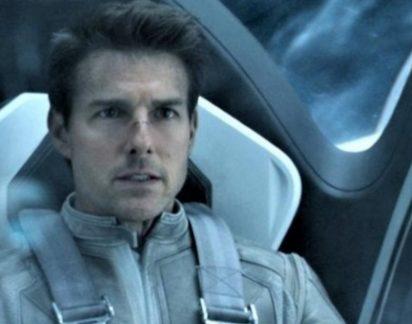 """Rosto inchado ou botox?"". Ator Tom Cruise está irreconhecível"